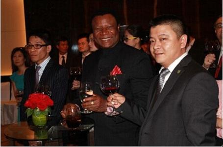 博爱(中国)企业集团代表出席驻越大使招待会